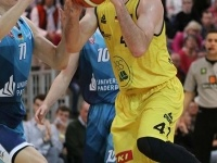 Knights vs Uni Baskets Paderborn 75:74_16