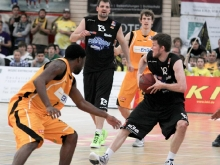 Knights vs. Essen 98:88 (JS)