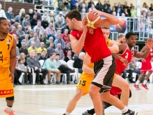 Knights vs. Leverkusen 76 zu 66 (JS)